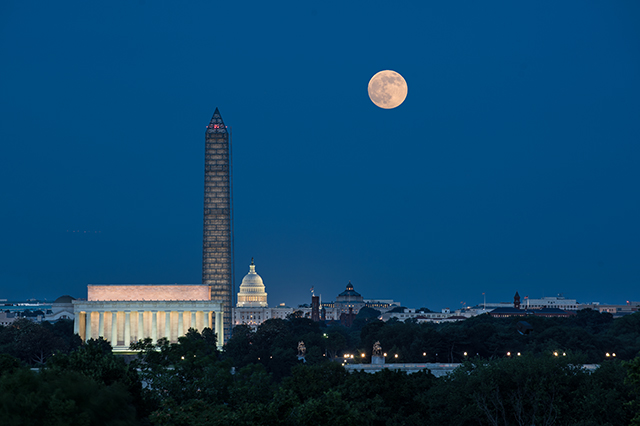 2016, March 23: DC Skyline and Full Moon Photo Safari