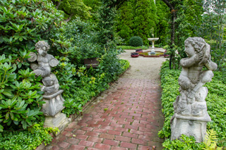 2016, June 12: Spring Flowers At Ladew Gardens POSTPONED FROM MAY 22