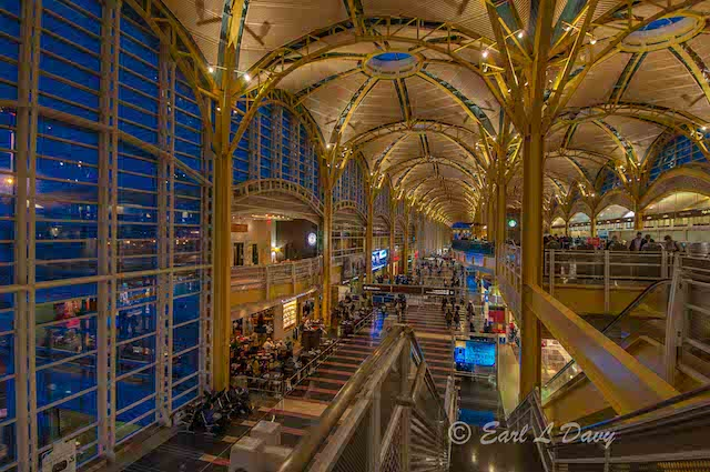 Twilight at Reagan National Airport Photo Safari-Earl Davy