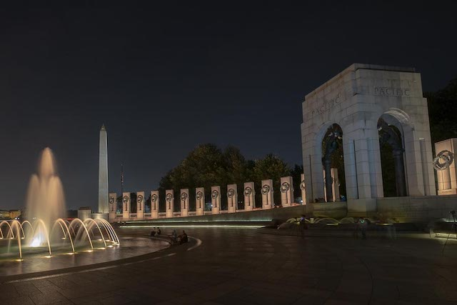 Night Photography on the Mall-Roland Fabia