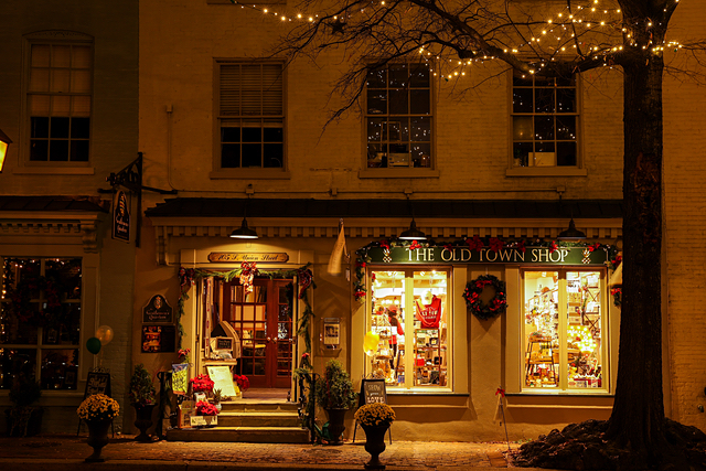 Holiday Lights in Old Town Alexandria-Kevin Ferrell